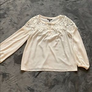 Lace detail flowing white blouse